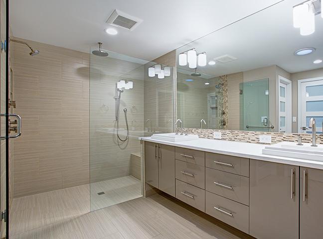 Remodelação de casa de banho com troca da banheira por cabine de duche